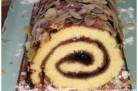 Gâteau roulé à la confiture de cerises noires