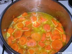 Soupe de carottes à l orange et aux graines de carvi