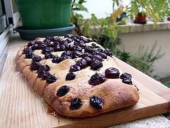 Focaccia aux raisins et au romarin