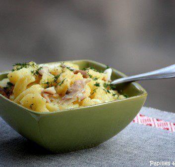 Salade de pommes de terre, maquereaux fumés au poivre
