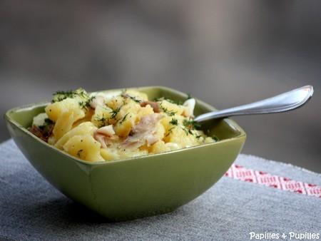 Salade de pommes de terre, maquereau fumé au poivre
