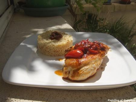 Escalopes de poulet aux deux tomates, thym et balsamique