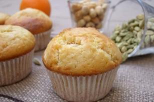 Muffins aux zestes d'orange, cardamome et noisettes