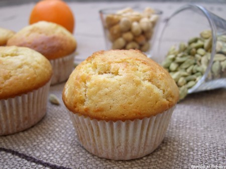 Muffins orange cardamome noisettes