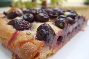 Focaccia (Schiacciata) aux raisins et au romarin