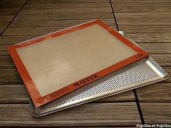 Plaques perforées et tapis en silicone