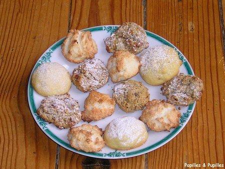 Image Papilles et Pupilles - Assortiment de biscuits et petits gâteaux