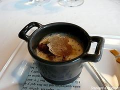 Petite marmite de ris de veau, cardons aux truffes d