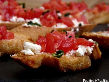 crostini tomates feta basilic