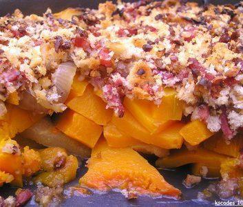 Crumble gratiné de butternut, poires et bacon