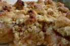 Crumble aux pommes, coings, miel et noix