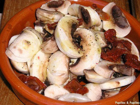 Salade de champignons et tomates séchées