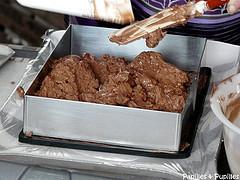Mousse au chocolat dans cadre à pâtisser