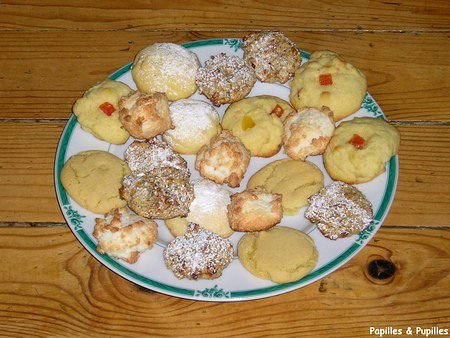 Assortiment de petits biscuits