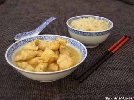 Poulet au curry et nouilles chinoises