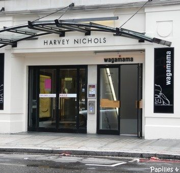 Yo! Sushi – Harvey Nichols – Londres